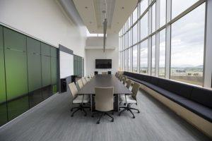 Cómo limpiar los filtros del aire acondicionado de la oficina