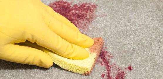 Cómo limpiar manchas de vino de la alfombra