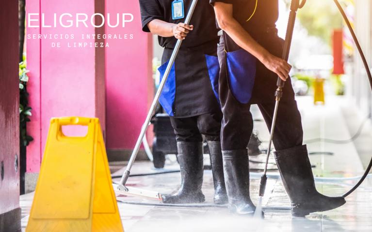 Fundamentos de una empresa de limpieza con clientes satisfechos